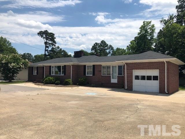 1005 W Cumberland Street, Dunn, NC 28334 (#2196370) :: RE/MAX Real Estate Service