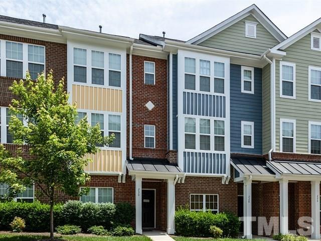 230 Michigan Avenue, Cary, NC 27519 (#2196392) :: Raleigh Cary Realty