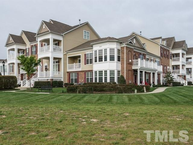 10410 Sablewood Drive #111, Raleigh, NC 27617 (#2203457) :: The Perry Group