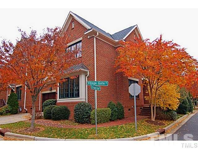 200 Village Gate Drive, Chapel Hill, NC 27514 (#2212060) :: Marti Hampton Team - Re/Max One Realty