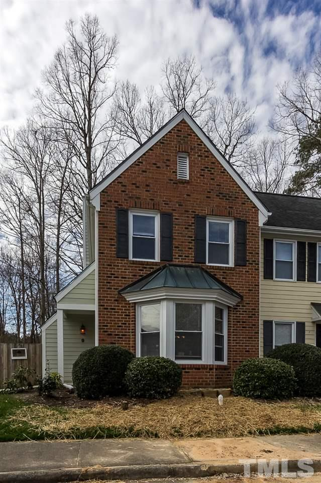 1 Forest Glenn Drive #9, Chapel Hill, NC 27517 (#2241448) :: The Jim Allen Group