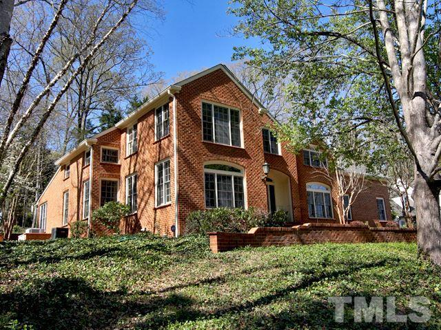 1 St James Place, Chapel Hill, NC 27514 (#2251922) :: Morgan Womble Group