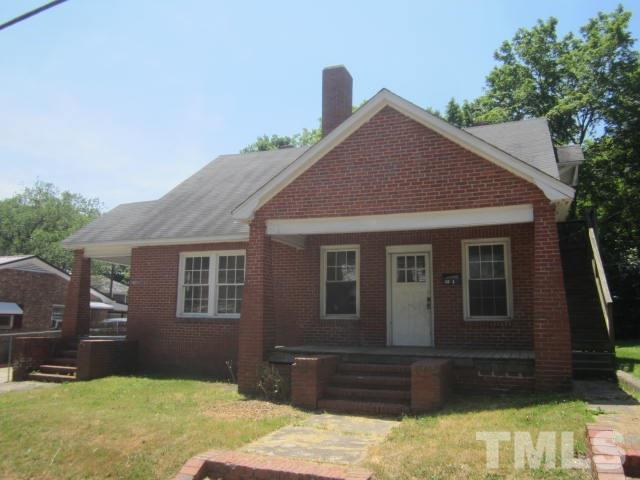 410 E Montgomery Street, Henderson, NC 27536 (#2256648) :: RE/MAX Real Estate Service