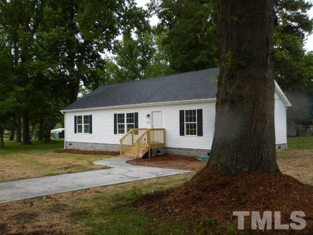 1207 S 1st Street, Lillington, NC 27546 (#2261011) :: Real Estate By Design