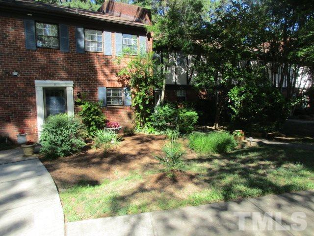 5808-B Nottoway Court B, Raleigh, NC 27609 (#2263402) :: The Jim Allen Group
