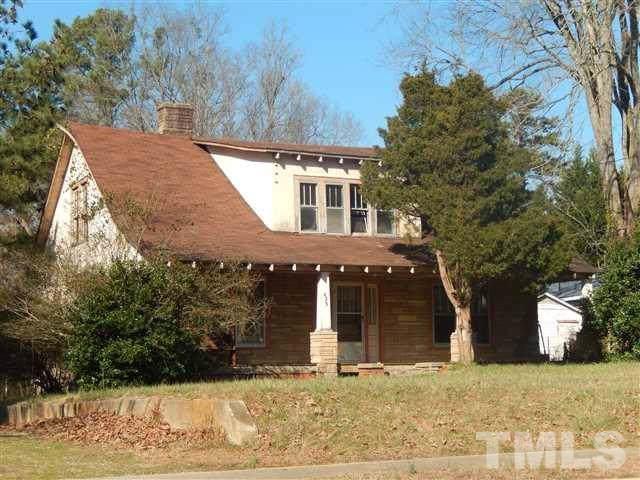 423 Hillsboro Street, Pittsboro, NC 27312 (#2289941) :: The Perry Group