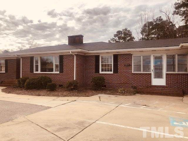 1005 W Cumberland Road, Dunn, NC 28334 (#2302060) :: The Results Team, LLC
