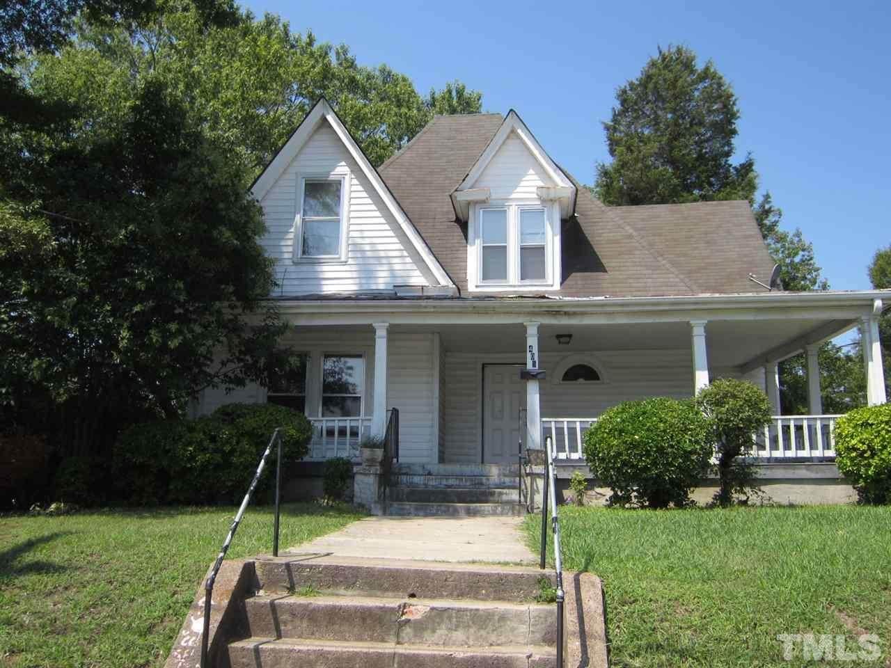 405 Elizabeth Street - Photo 1