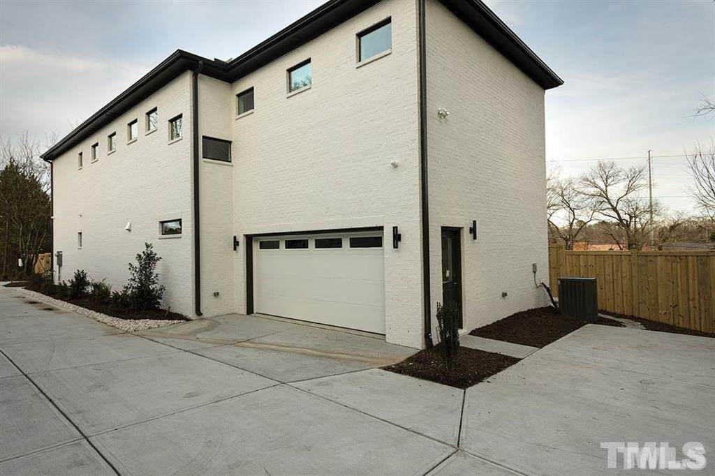 627 Linfield Drive - Photo 1