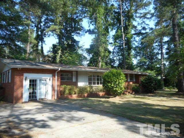 300 Pine Street, Smithfield, NC 27577 (#2326631) :: Marti Hampton Team brokered by eXp Realty