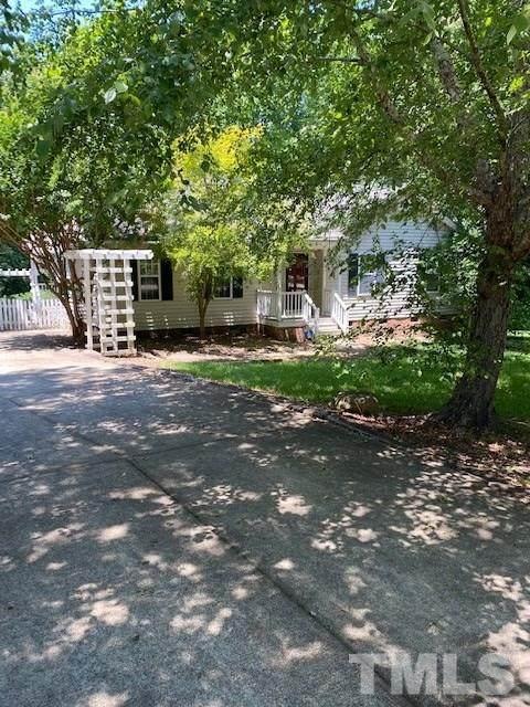 703 Lazy Branch Drive, Benson, NC 27504 (#2329501) :: Classic Carolina Realty