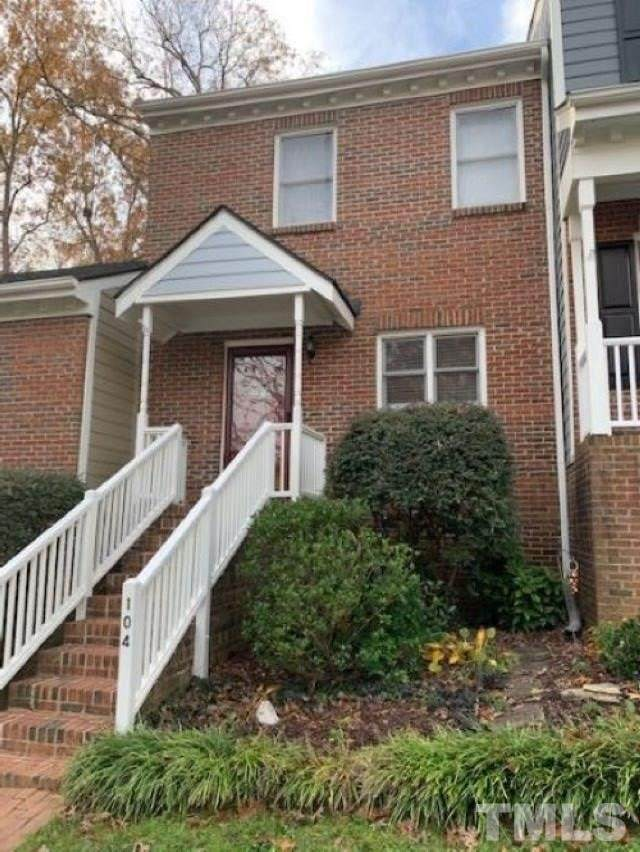 104 Milford Court, Cary, NC 27511 (#2355751) :: Masha Halpern Boutique Real Estate Group