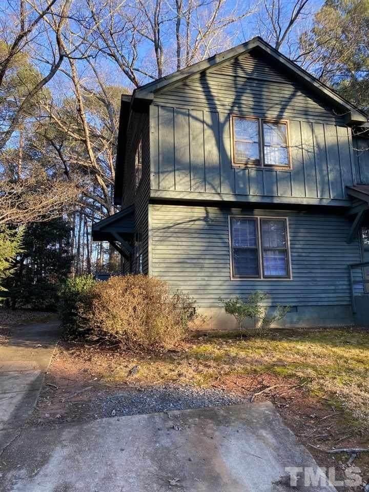 5910 Applewood Drive - Photo 1