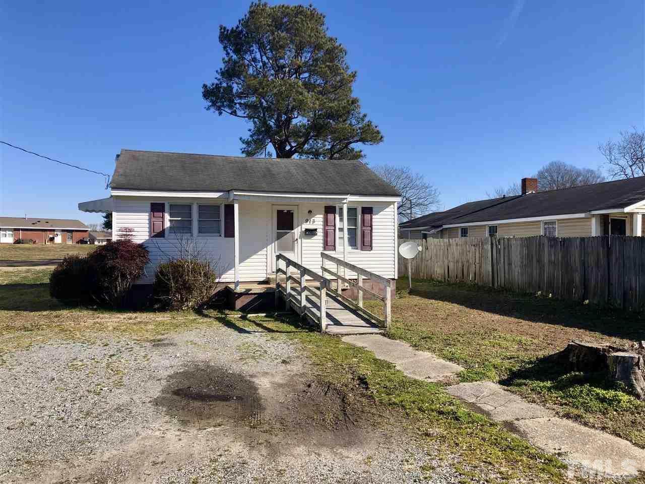 913 Harnett Street - Photo 1