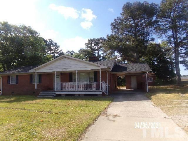 705 W Academy Street, Fuquay Varina, NC 27526 (#2381863) :: Dogwood Properties