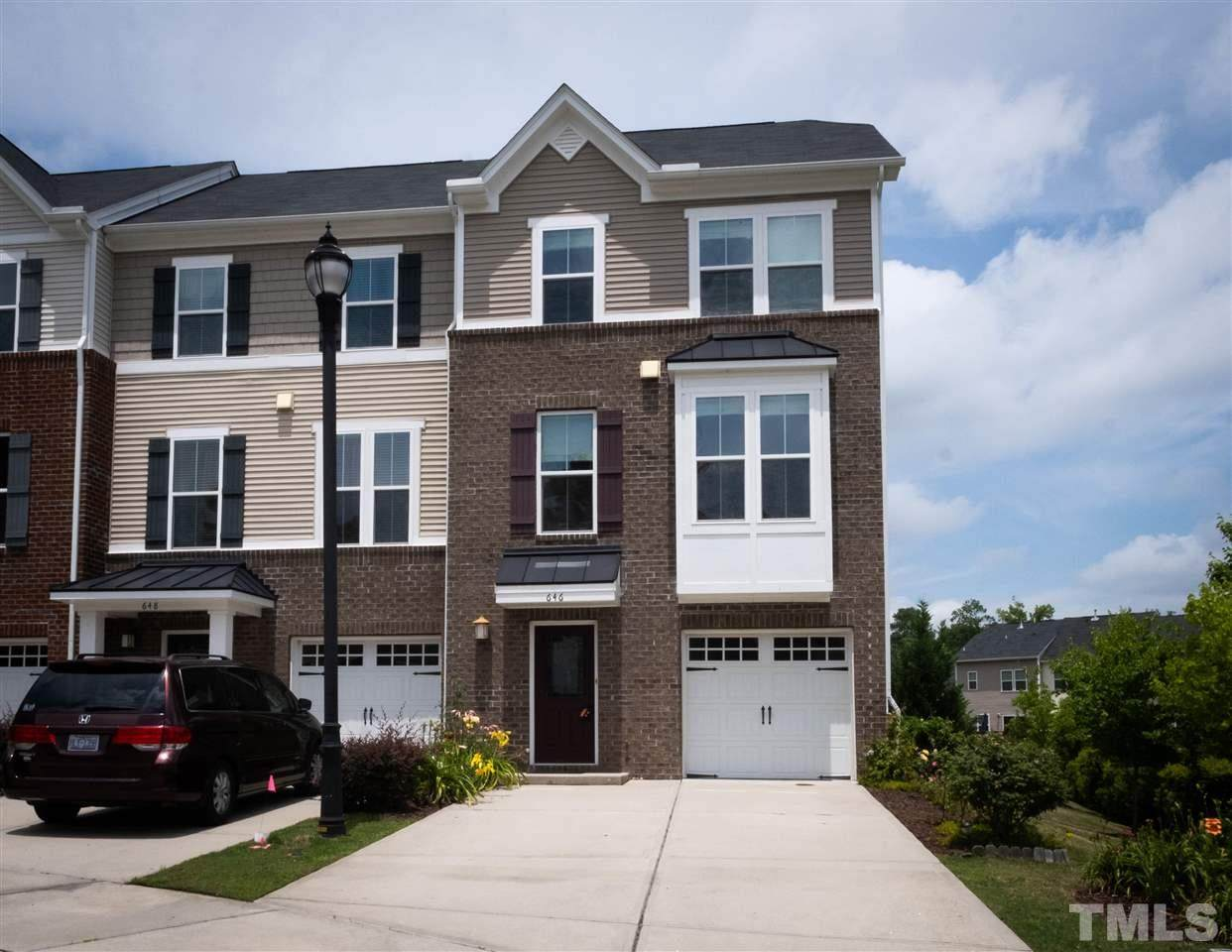 646 Berry Chase Way - Photo 1