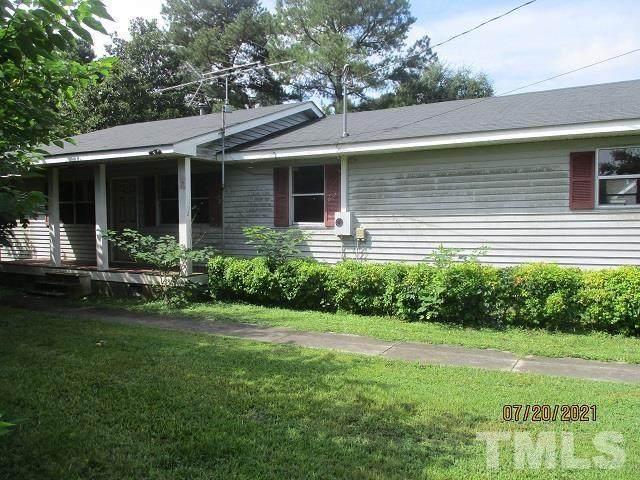 102 Robinson Street, Clinton, NC 28328 (#2396936) :: Marti Hampton Team brokered by eXp Realty