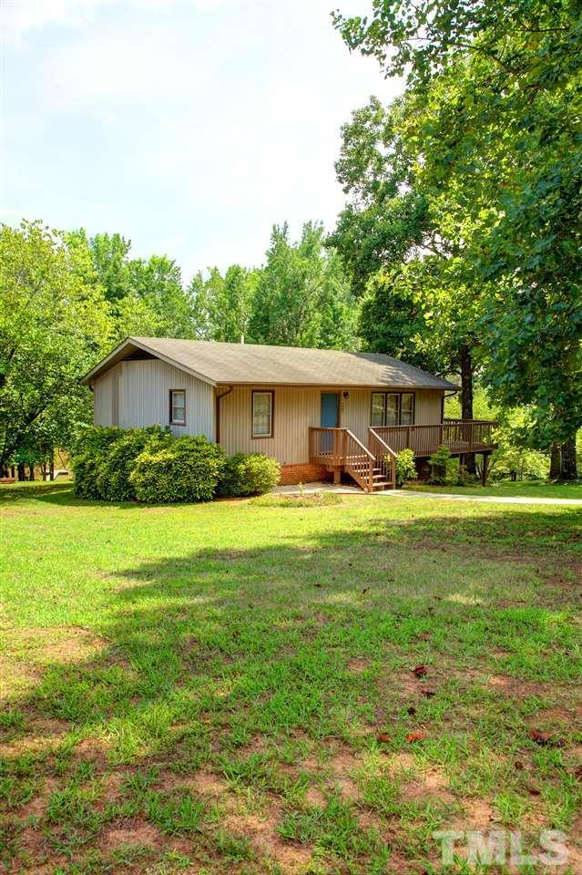 444 Wellington Drive, Clarksville, VA 23927 (#2266488) :: The Perry Group