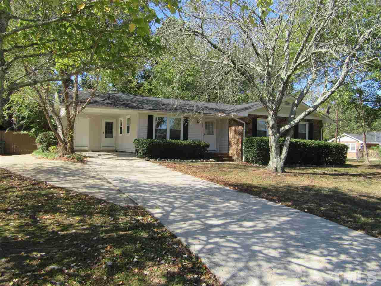 405 Country Club Drive - Photo 1