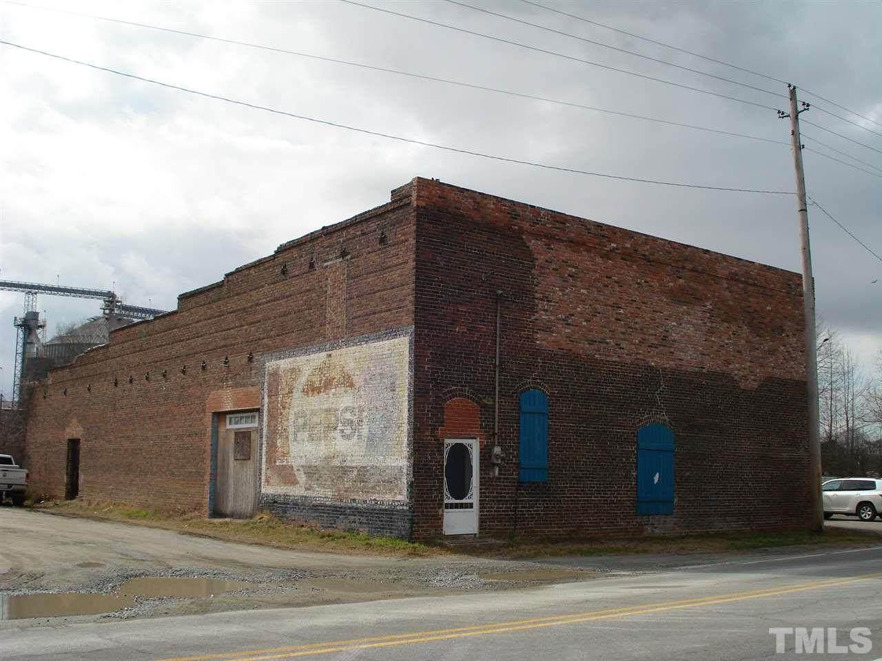 600 Anderson Street - Photo 1