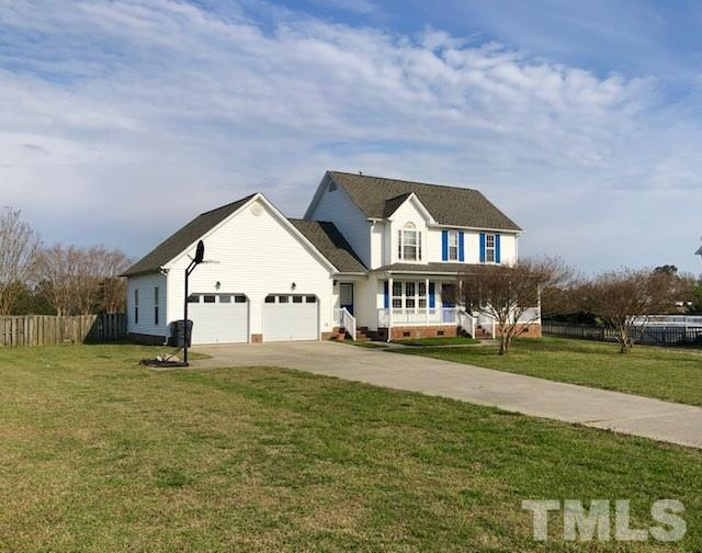 805 Hawks View Court, Fuquay Varina, NC 27526 (#2241447) :: The Perry Group