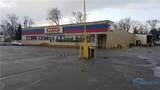 702 Woodville - Photo 2