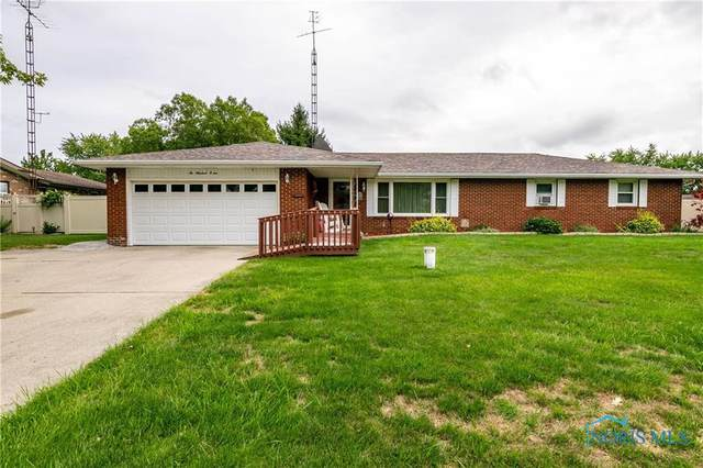 215 Lakeview, Defiance, OH 43512 (MLS #6060015) :: Key Realty