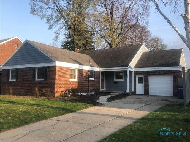 2259 Castlewood, Toledo, OH 43613 (MLS #6068386) :: CCR, Realtors