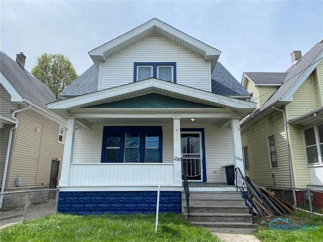 2215 Academy Avenue, Toledo, OH 43606 (MLS #6069911) :: CCR, Realtors