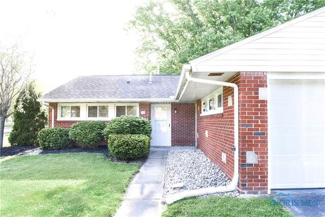 1 Greenbrier Court, Bowling Green, OH 43402 (MLS #6070772) :: CCR, Realtors
