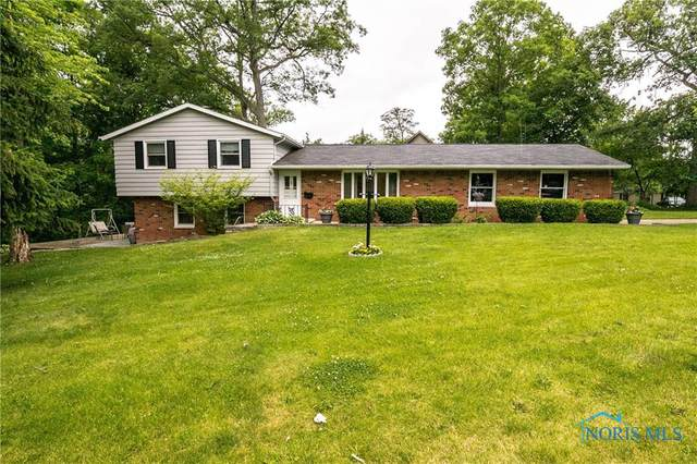 1954 Edgewood Drive, Defiance, OH 43512 (MLS #6071843) :: CCR, Realtors