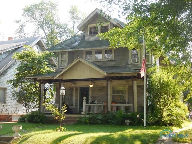 2530 Robinwood Avenue, Toledo, OH 43610 (MLS #6073398) :: CCR, Realtors