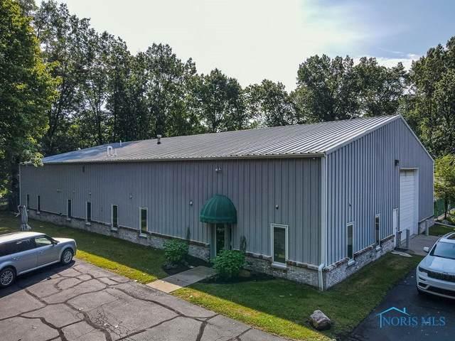 2000 The Bluffs, Toledo, OH 43615 (MLS #6076363) :: CCR, Realtors