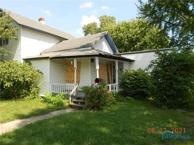 626 Lynn Street, Fostoria, OH 44830 (MLS #6076459) :: CCR, Realtors