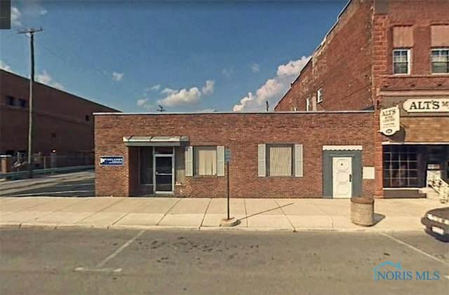 122 W Center Street, Fostoria, OH 44830 (MLS #6078617) :: CCR, Realtors