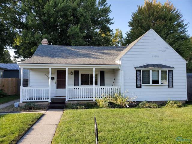 221 Clinton, Maumee, OH 43537 (MLS #6045125) :: Key Realty