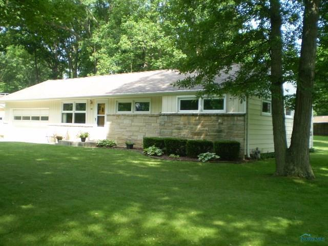 1810 Darbyshire, Defiance, OH 43512 (MLS #6026707) :: RE/MAX Masters