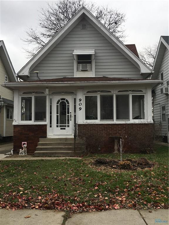 909 Ogden, Toledo, OH 43609 (MLS #6033757) :: Key Realty