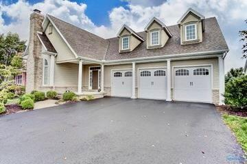 5908 Walnut Springs, Sylvania, OH 43560 (MLS #6034560) :: Key Realty