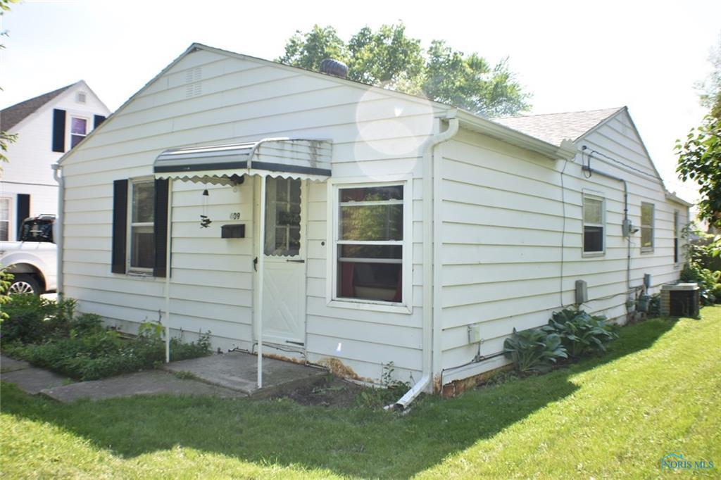 409 North Grove - Photo 1