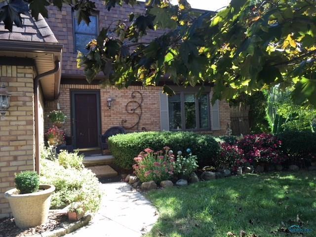 641 Oak Knoll, Perrysburg, OH 43551 (MLS #6042718) :: Key Realty