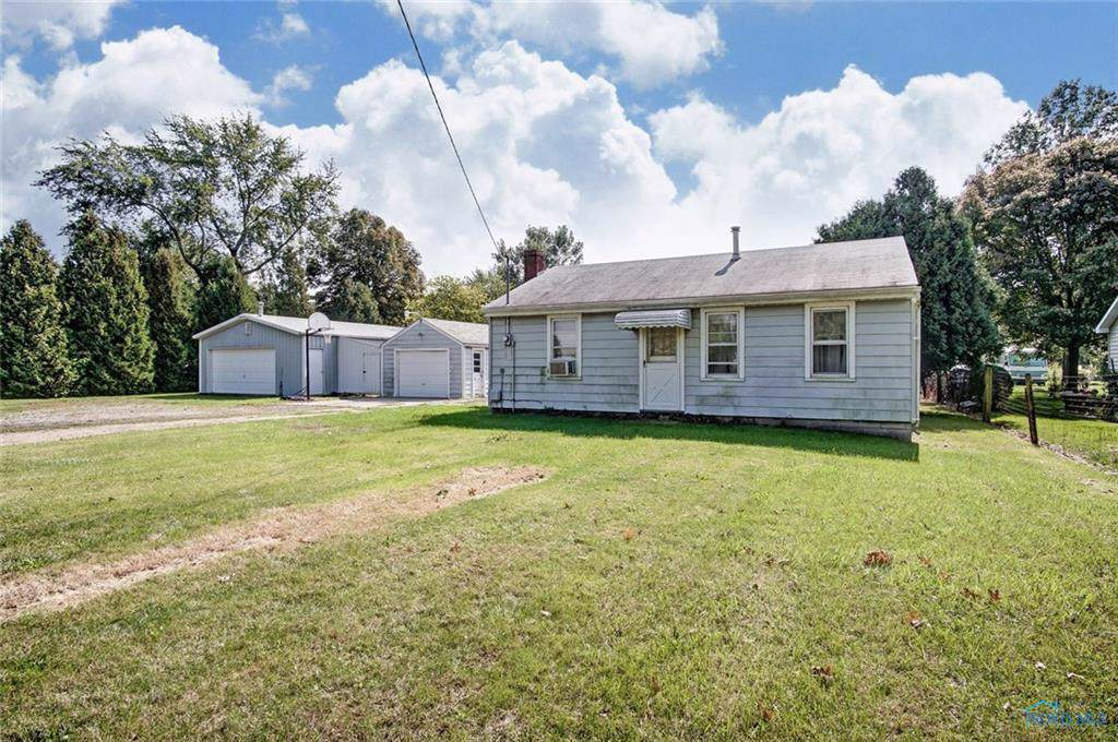 2085 County Road H - Photo 1