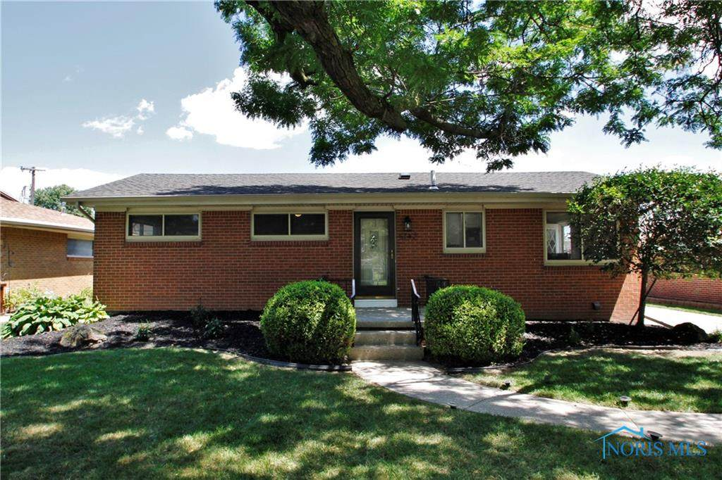 5142 Grosse Point - Photo 1