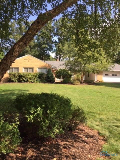 6016 Sylvan Green, Sylvania, OH 43560 (MLS #6059767) :: Key Realty