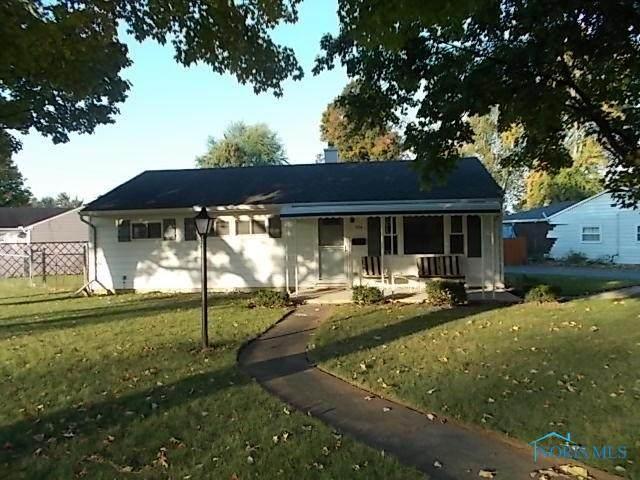 924 Parkside, Findlay, OH 45840 (MLS #6061125) :: CCR, Realtors