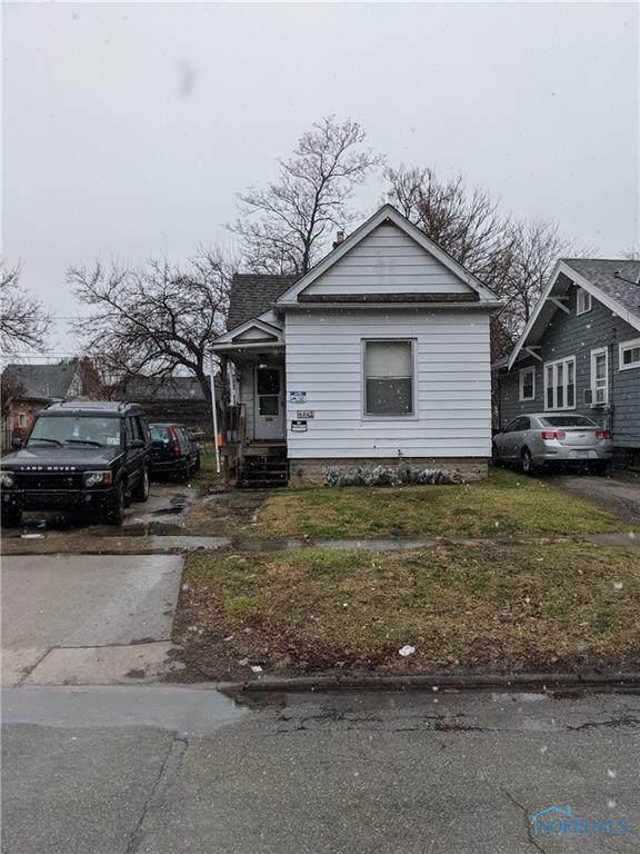 4045 Walker, Toledo, OH 43612 (MLS #6065453) :: Key Realty