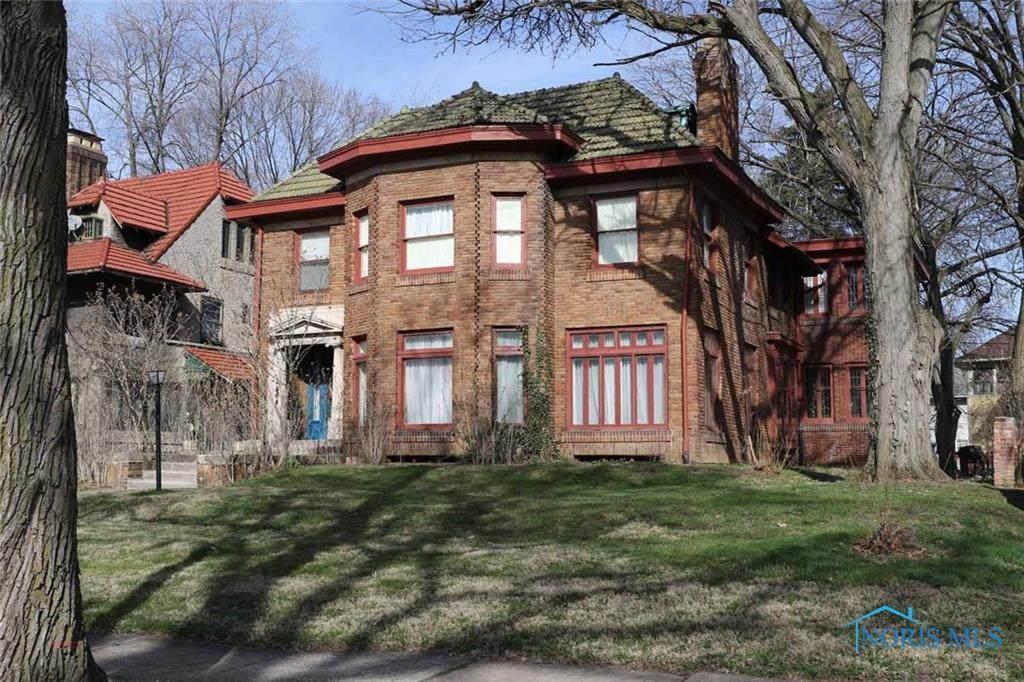 2464 Scottwood Avenue - Photo 1