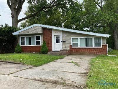 2121 Tremainsville Road, Toledo, OH 43613 (MLS #6073822) :: Key Realty