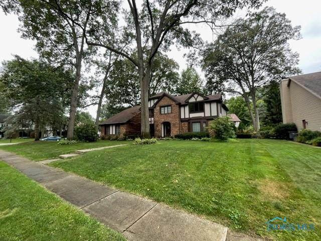 2301 Willesden Green Road, Toledo, OH 43617 (MLS #6075581) :: Key Realty