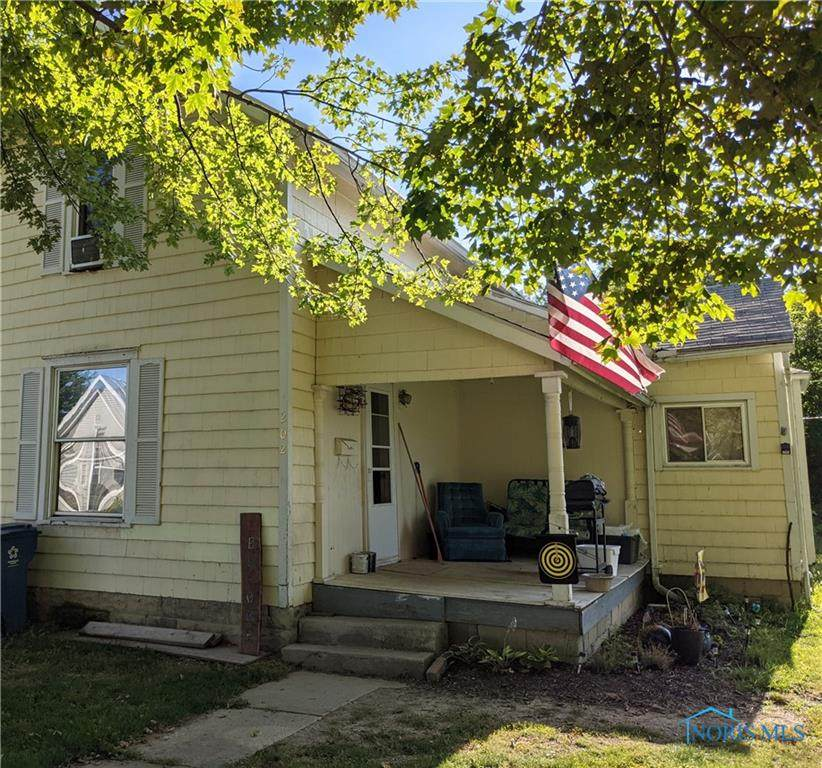 202 Davis Street - Photo 1